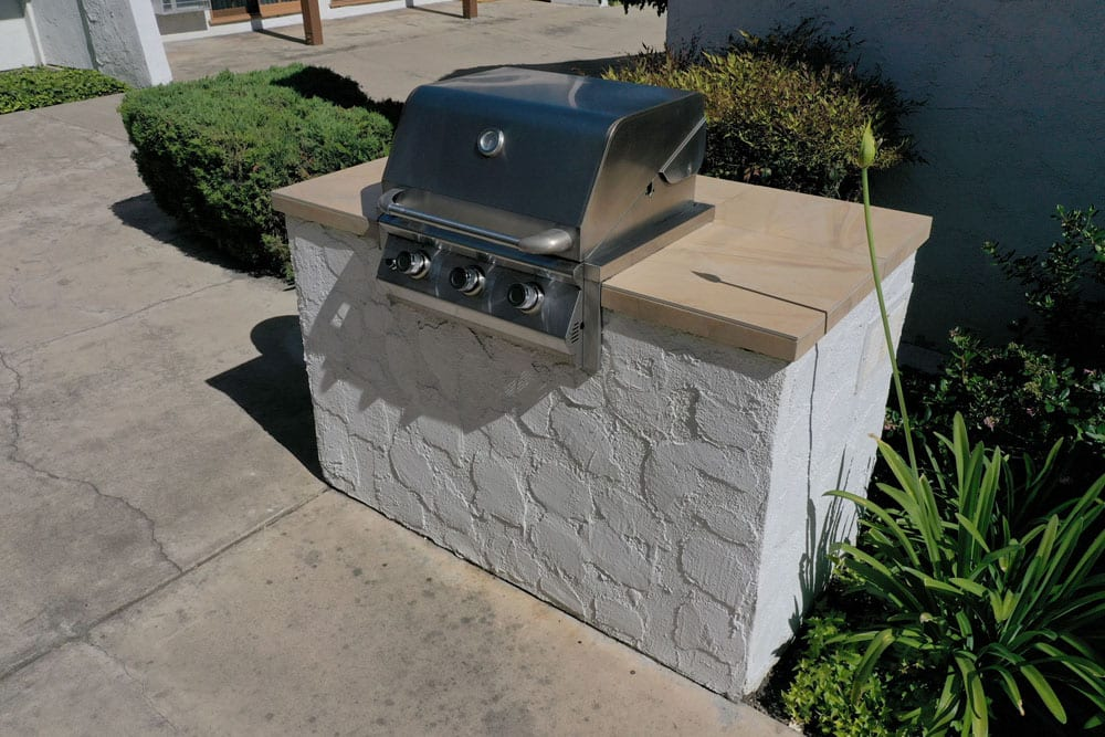 Apartments in Tustin CA - Las Casa Apartments - Stainless Steel Outdoor Grill